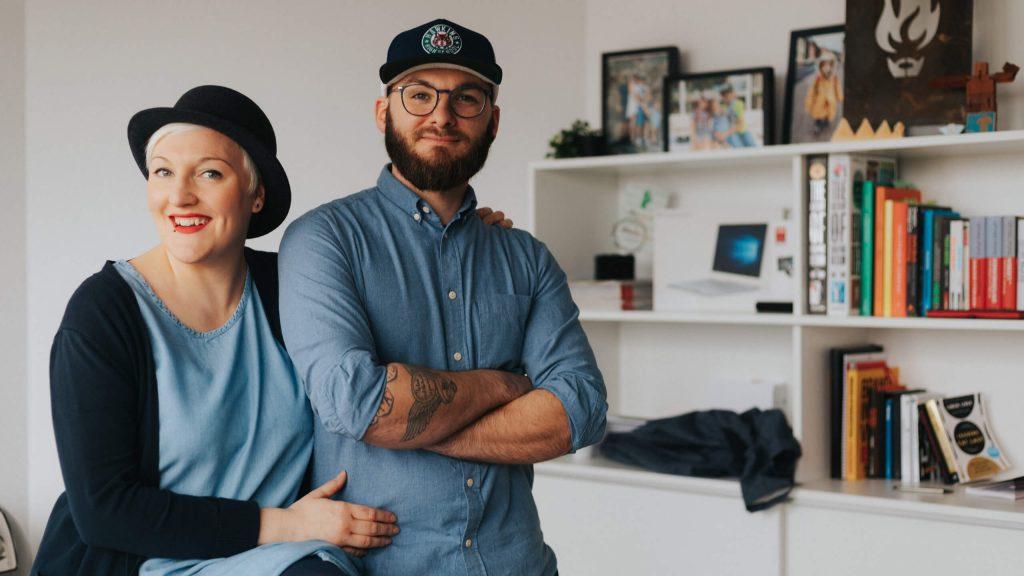 Jan Stellmach - Dani und Jan im Büro der braindinx GmbH